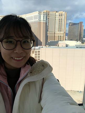 Headshot Jessica Han