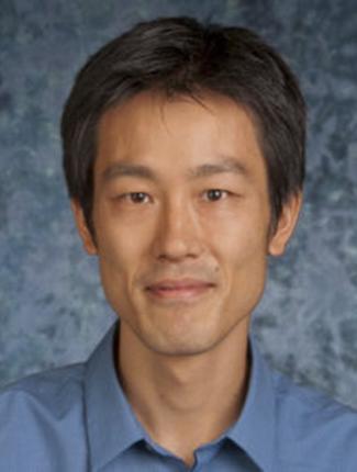 Headshot Hiroshi Maeda