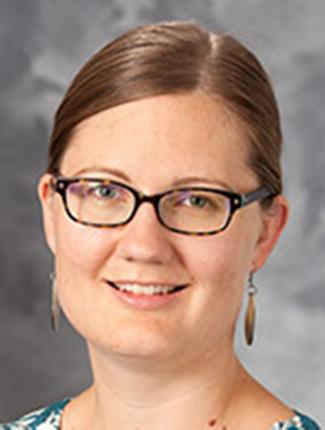 Emma Mohr Headshot